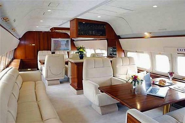 Boeing-Business-Jet-i