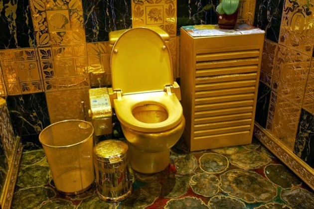 gold_toilet_hong_kong