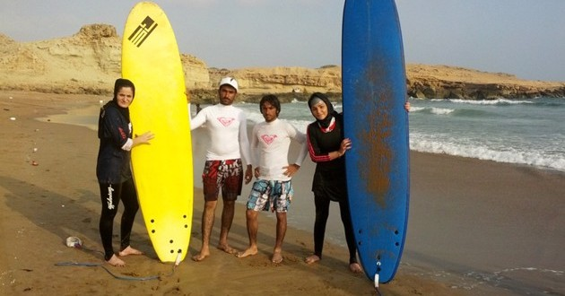 Iran's Female Surf Pioneers