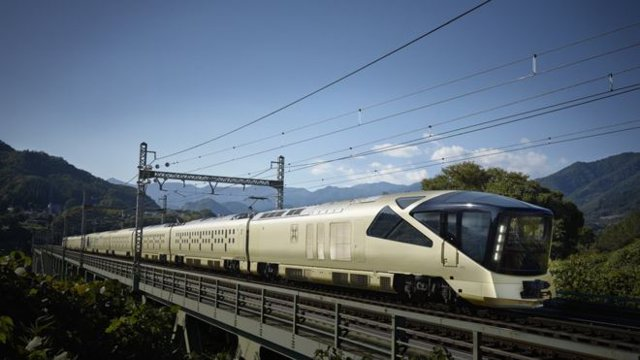 Japan train offers luxury at a premium