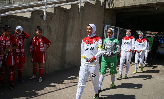 Coverage without hijab of Jordanian girls at Ararat Stadium