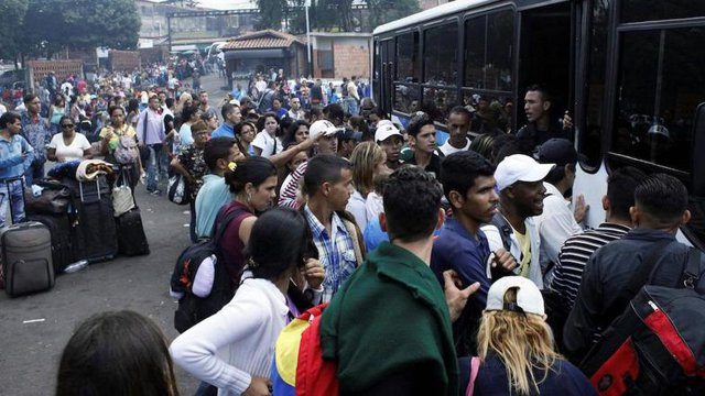 The Venezuelan people escape from their country